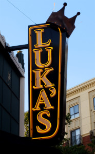 sign_lukas
